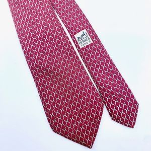 "Cherry Red ""H"" Pattern Hermes Tie"